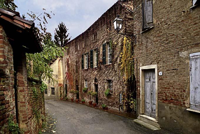 Appuntamenti nordic walking escursionismo camminate e for Villa del borgo canelli